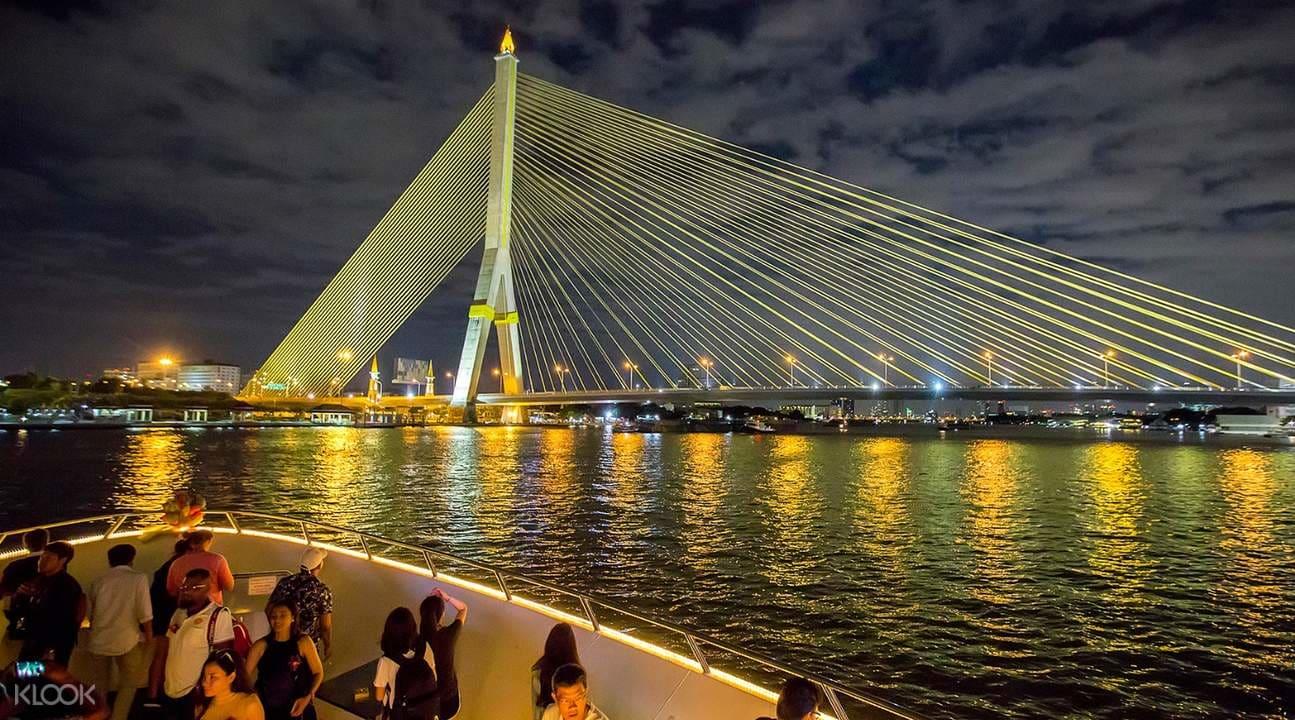 cảnh sông chao phraya về đêm