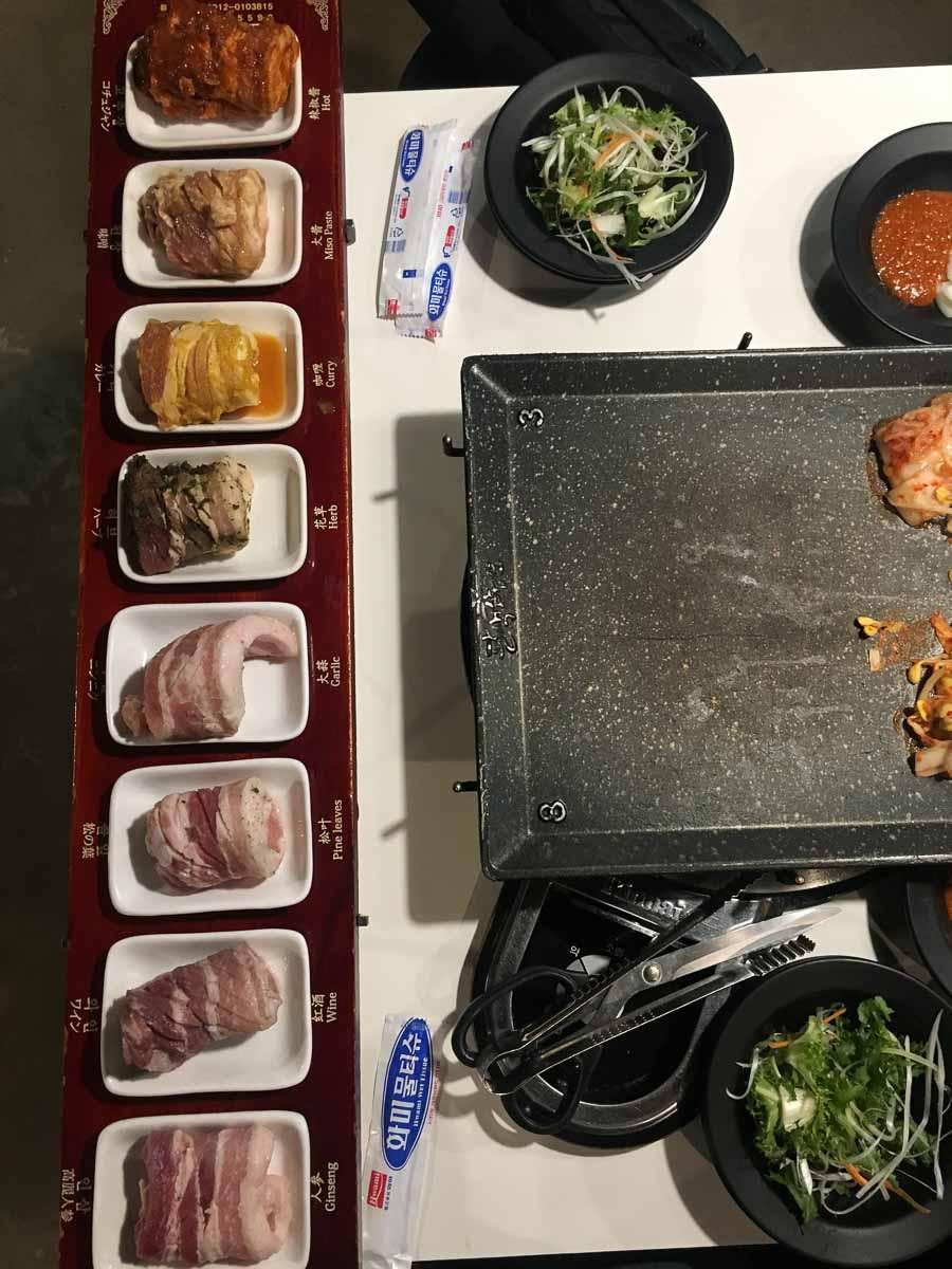 set thịt 8 vị tại Palsaek Samgyupsal