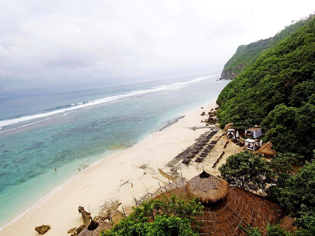 bãi biển jimbaran nhìn từ trên cao
