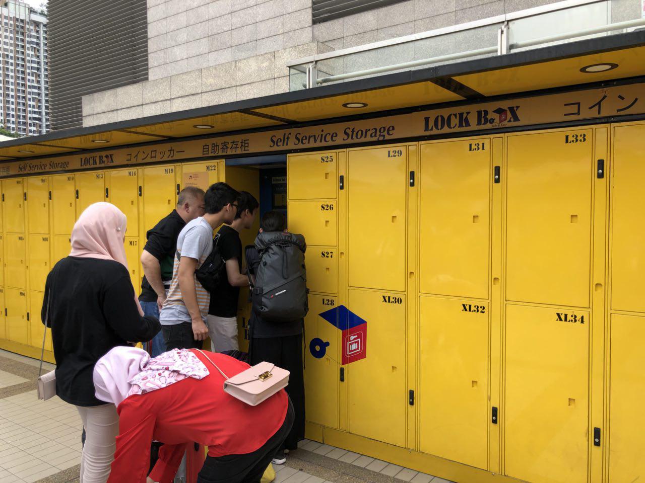 tủ cất hành lí tại chợ chatuchak