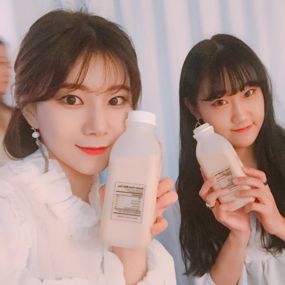 trà sữa earl grey tại tiệm cà phê social club seoul