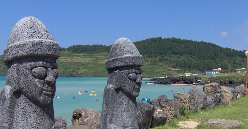 tượng đá dol hareubang của đảo jeju