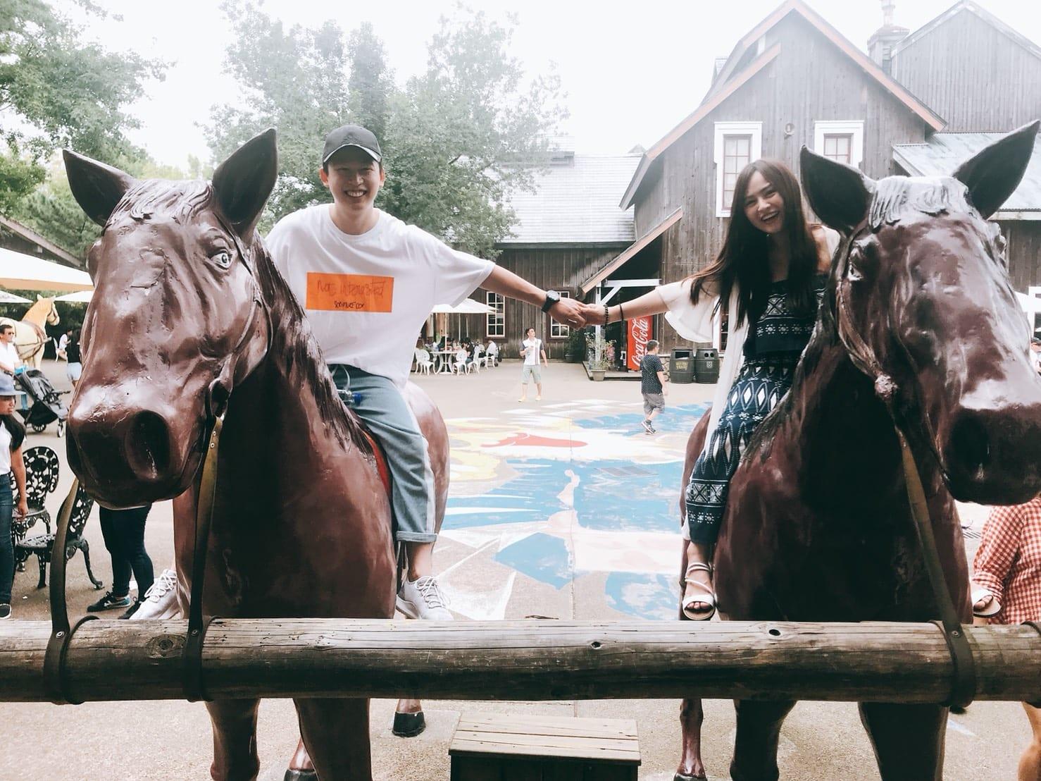 cưỡi ngựa với trò wild west