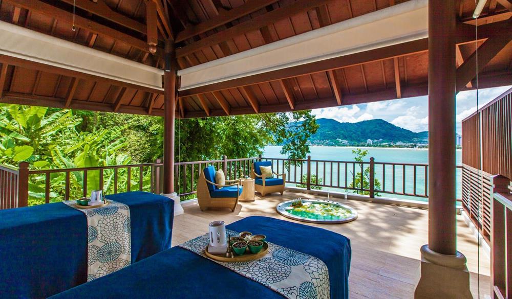 giường nghỉ ngơi tại Amari Resort