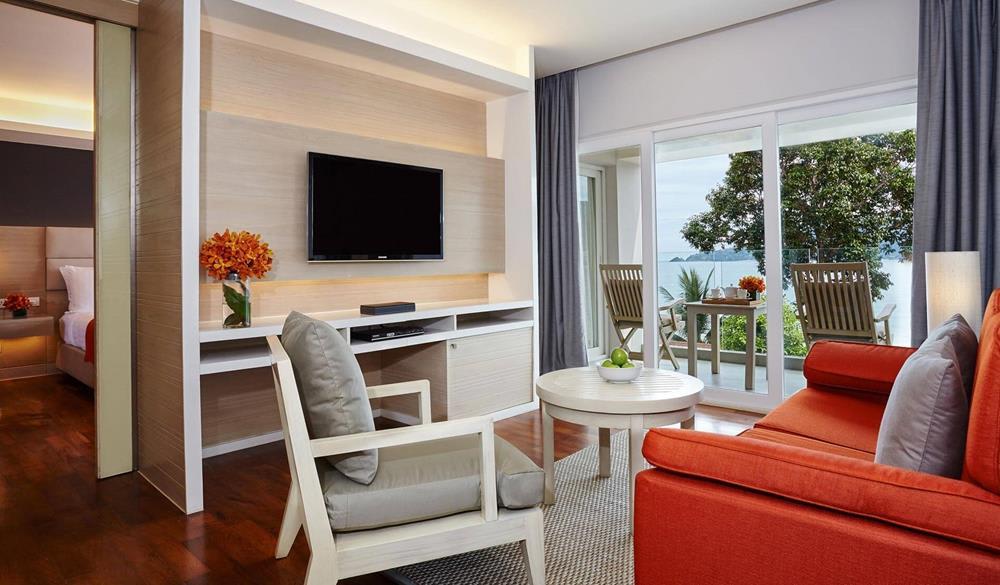 nội thất trong phòng junior suite của Amari Resort