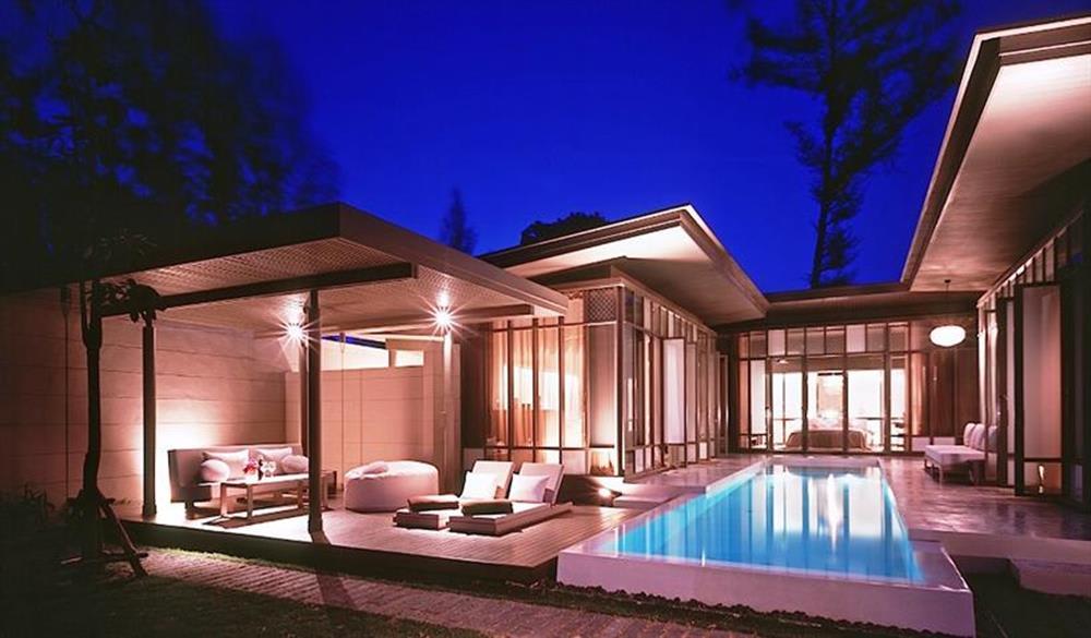 phòng cạnh hồ bơi của  SALA Phuket Resort & SPA
