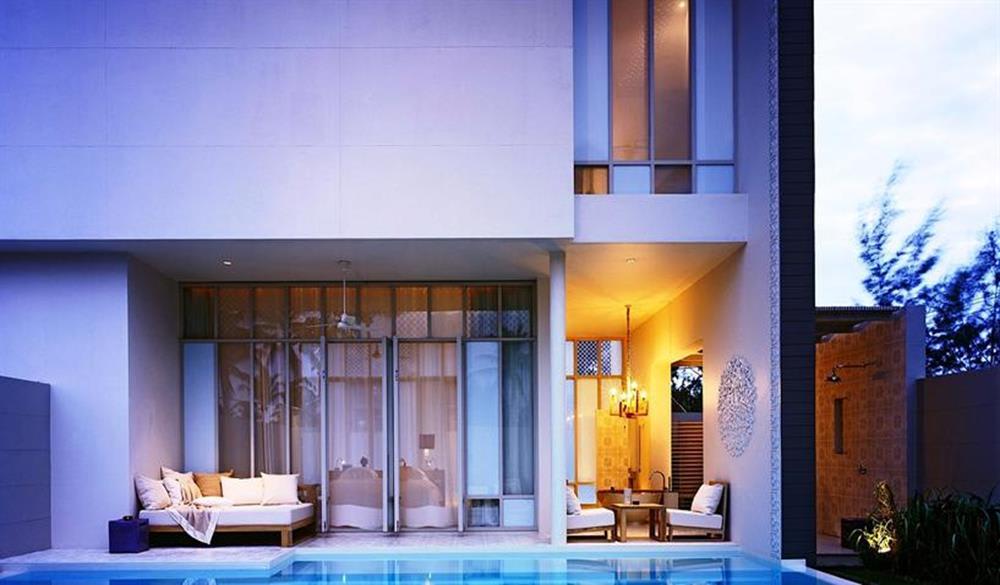 SALA Phuket Resort & SPA nhìn từ bên ngoài