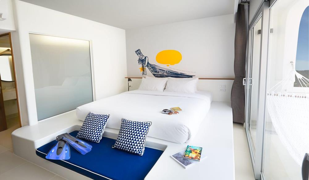 giường ngủ tại Lub d Phuket Patong Hostel