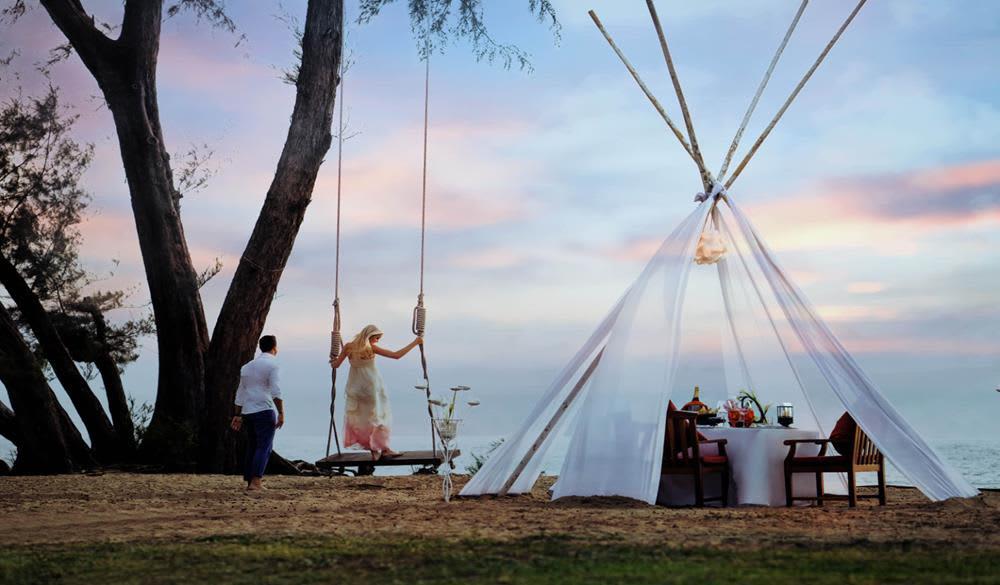 cắm trại ngoài trời tại JW Marriott Phuket