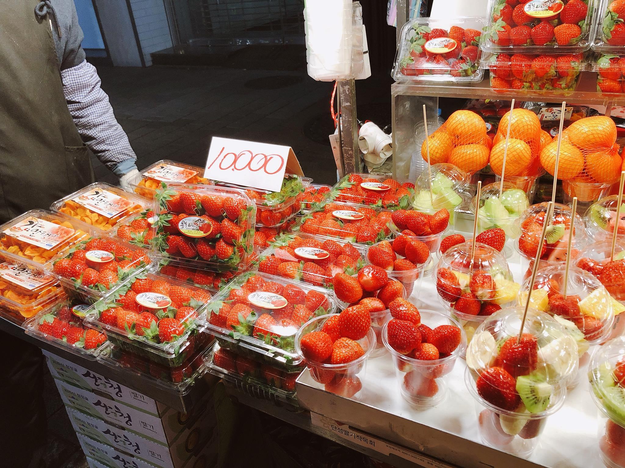 tiệm trái cây ở seoul