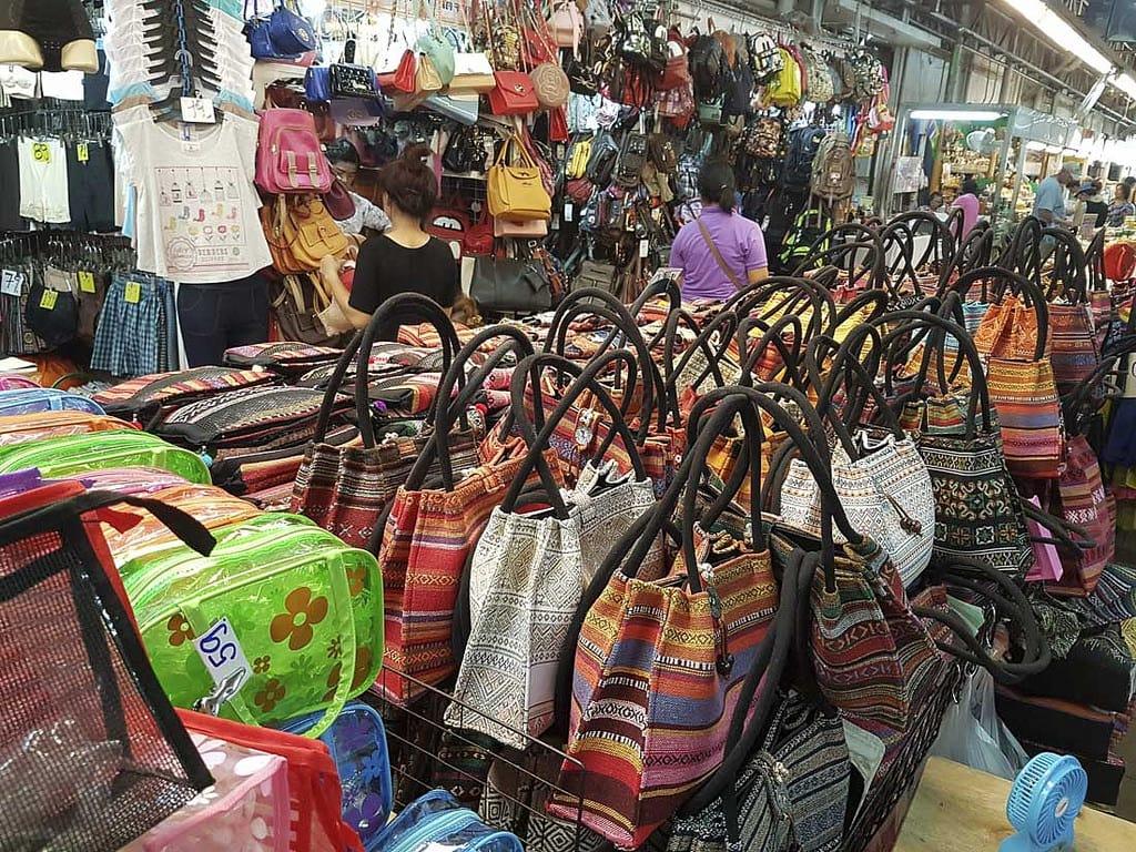 túi xách bán tại chợ warorot