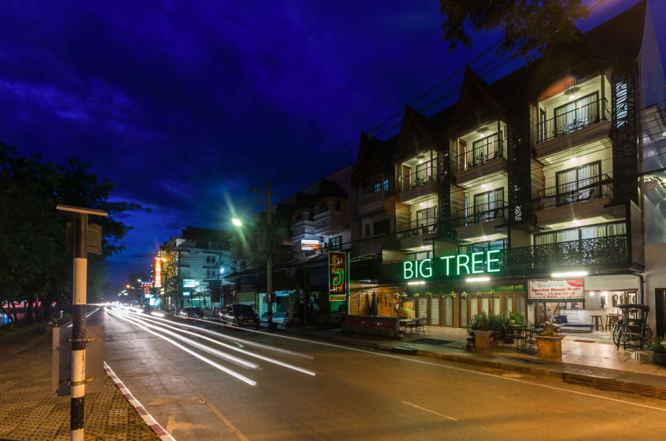 mặt tiền BIG TREE Boutique Hotel
