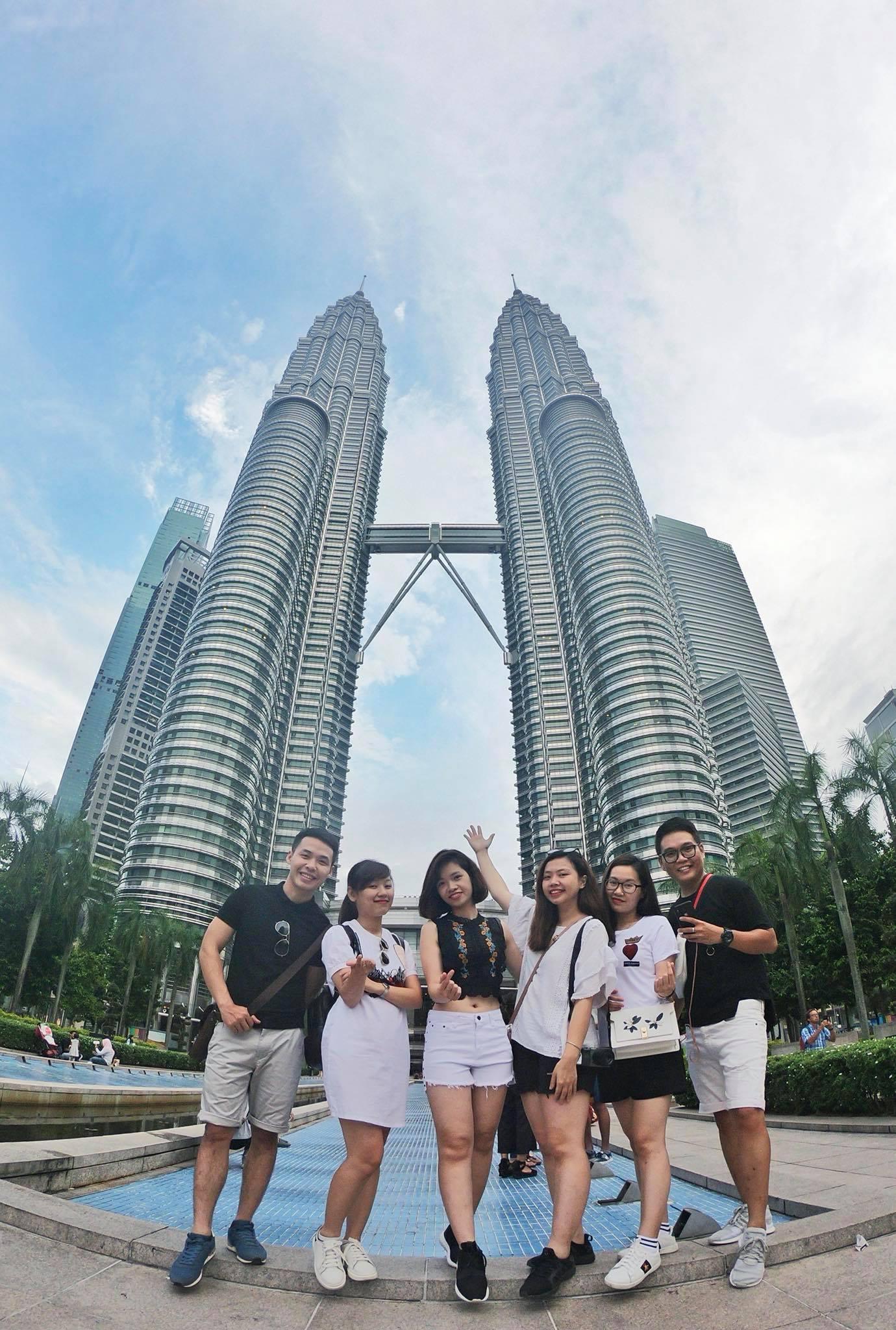 chụp ảnh tại tháp đôi petronas