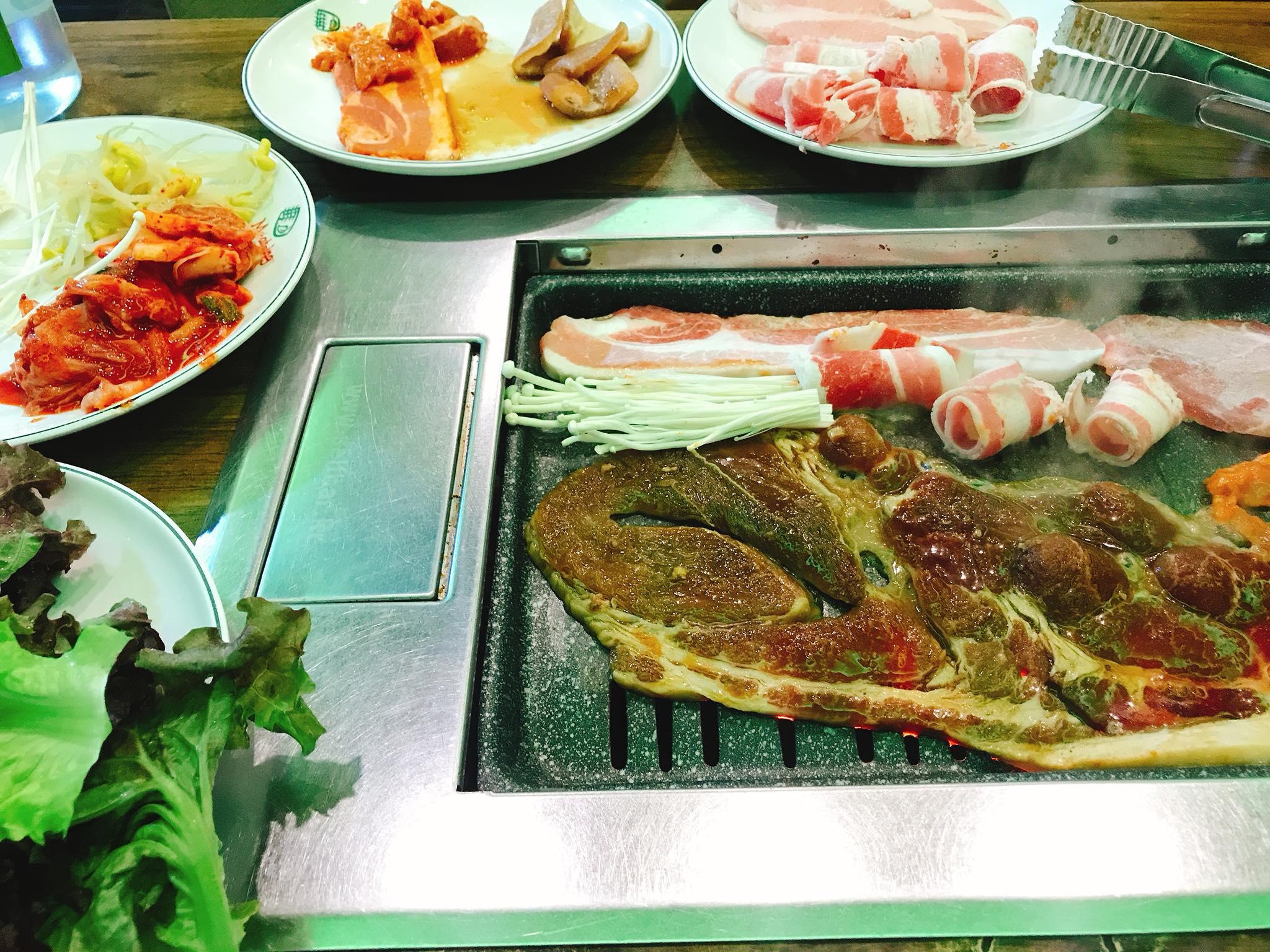 ăn buffet tiệc nướng tại meat-ing