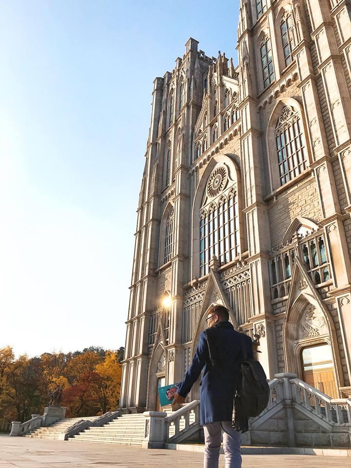 chụp hình tại đại học Kyung Hee
