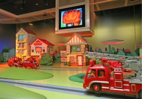 bên trong bảo tàng phòng cháy chữa cháy Tokyo