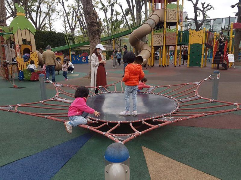 trò chơi ở công viên meiji jingu gaien