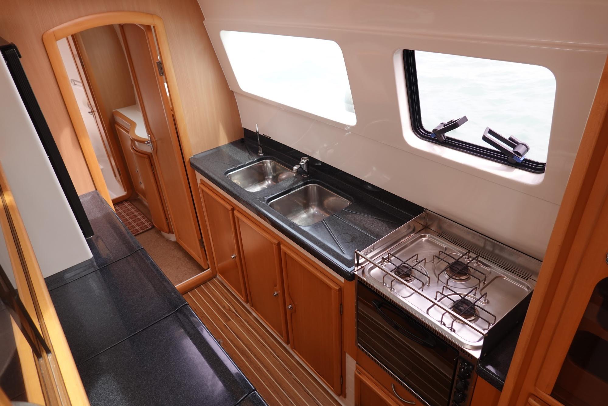nội thất du thuyền catamaran