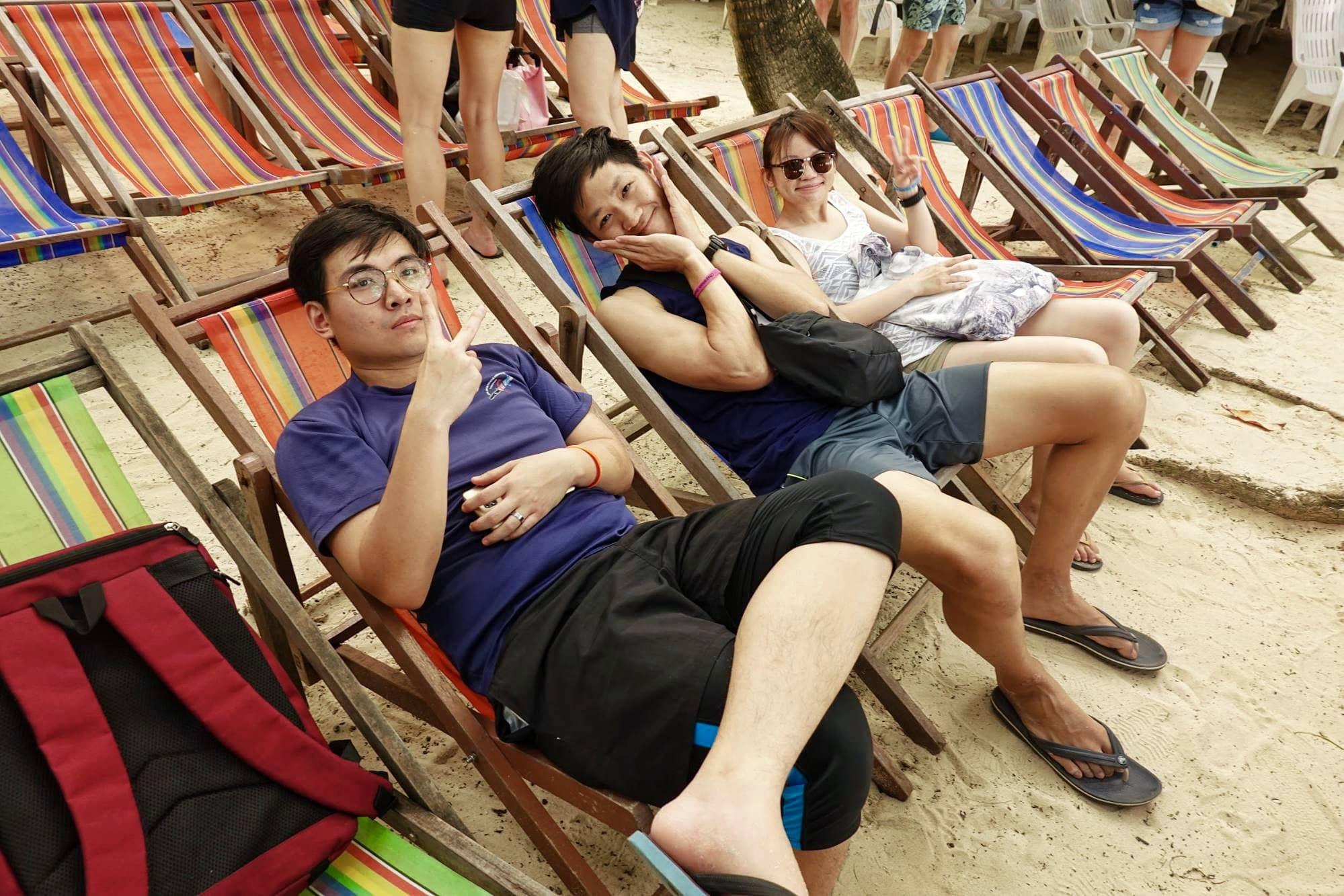 nghỉ ngơi trên bãi biển