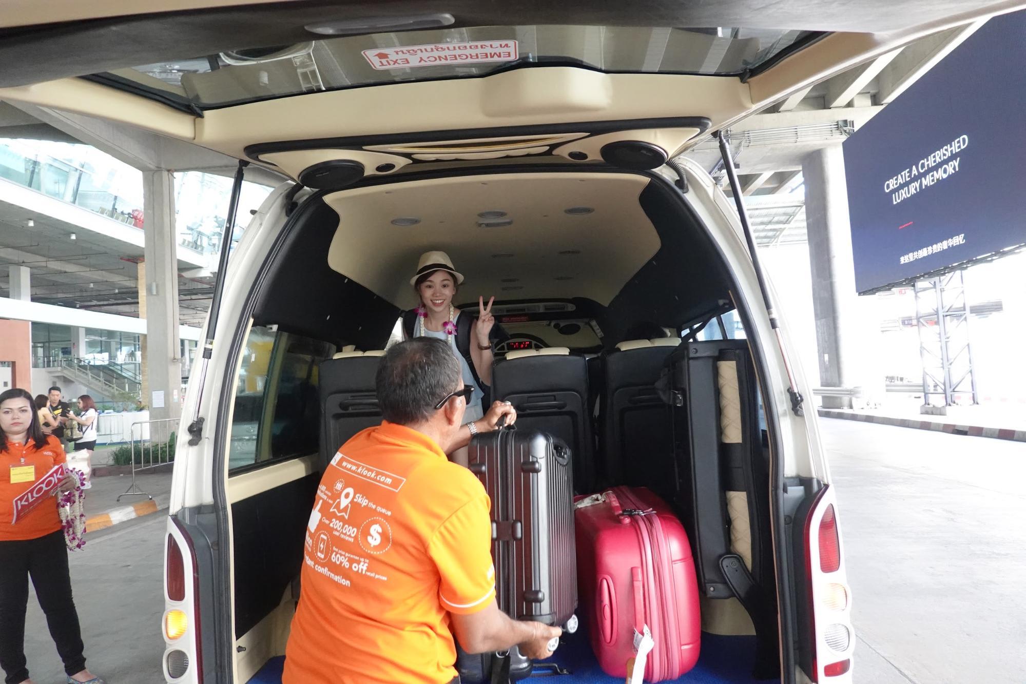 xe trung chuyển riêng tại sân bay