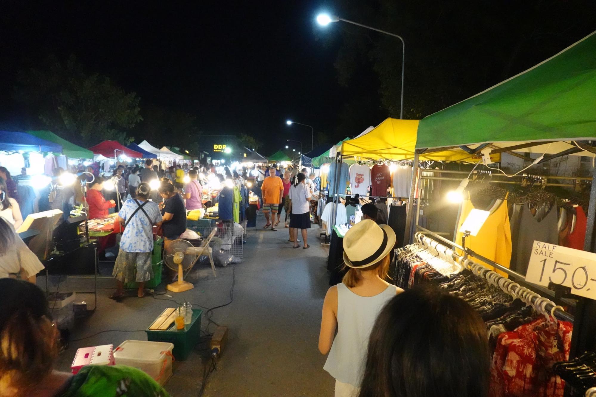 dạo chợ đêm phuket