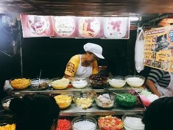 quầy thức ăn tại chinatown