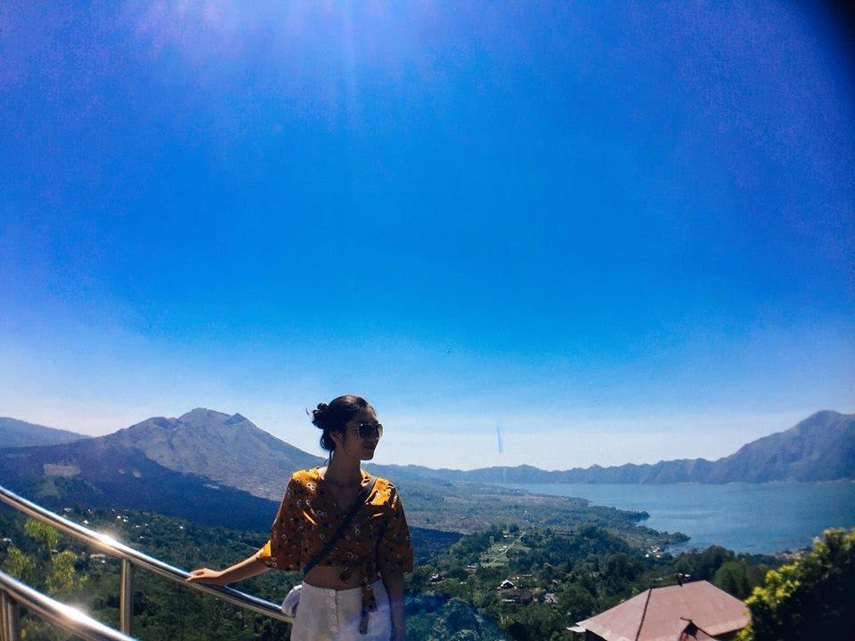 trên đỉnh núi lửa batur