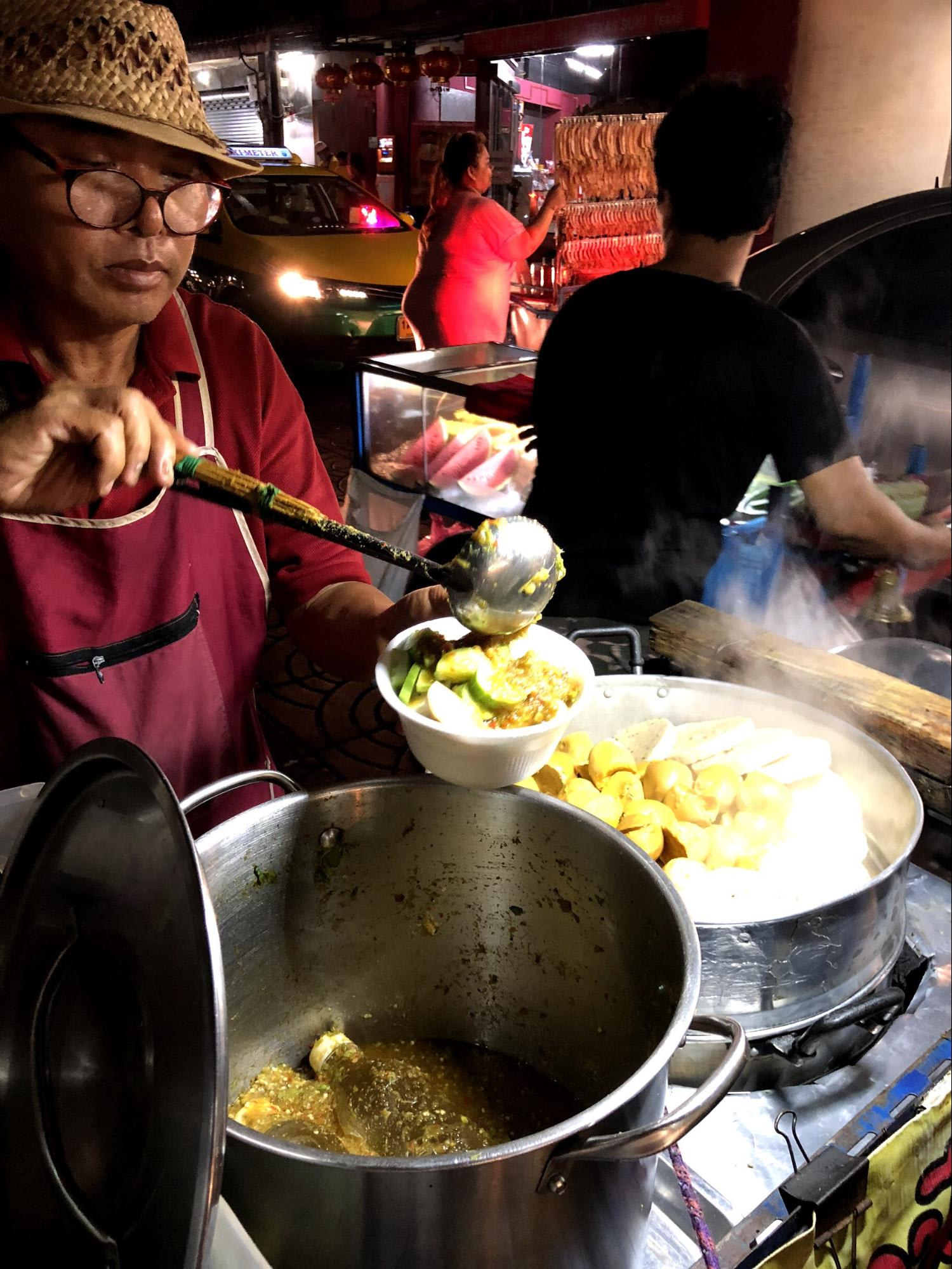 quầy thức ăn tại china town