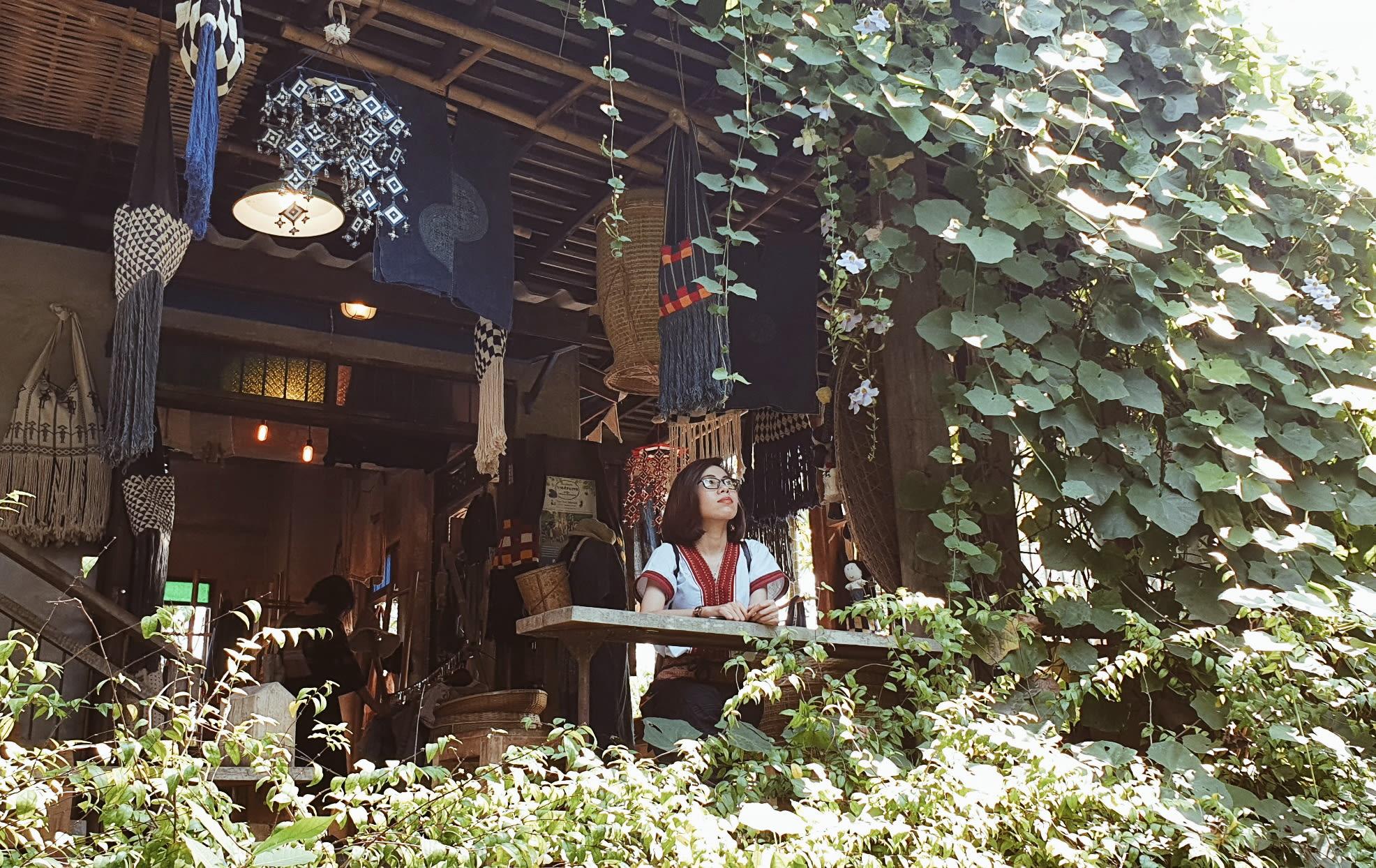 tiệm cafe ở baan kang wat