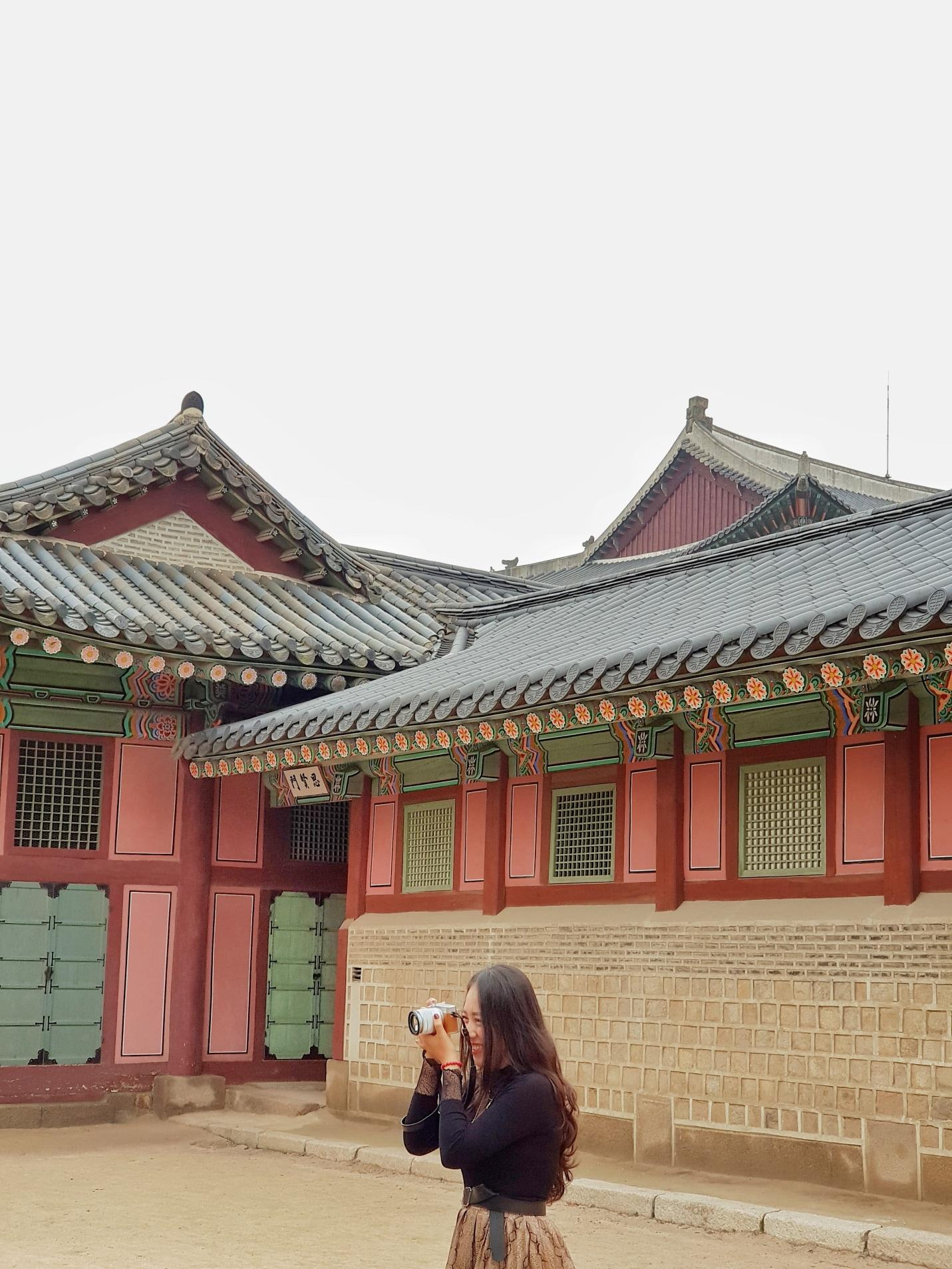 chụp ảnh bên trong gyeongbokgung
