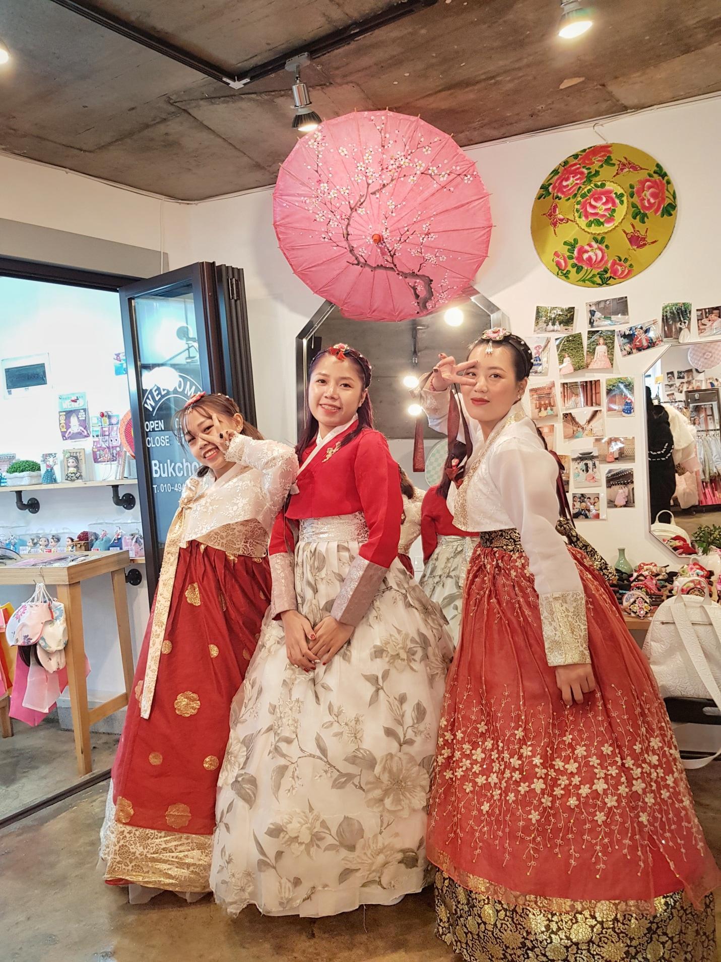 thuê kimono tại làng cổ buchon