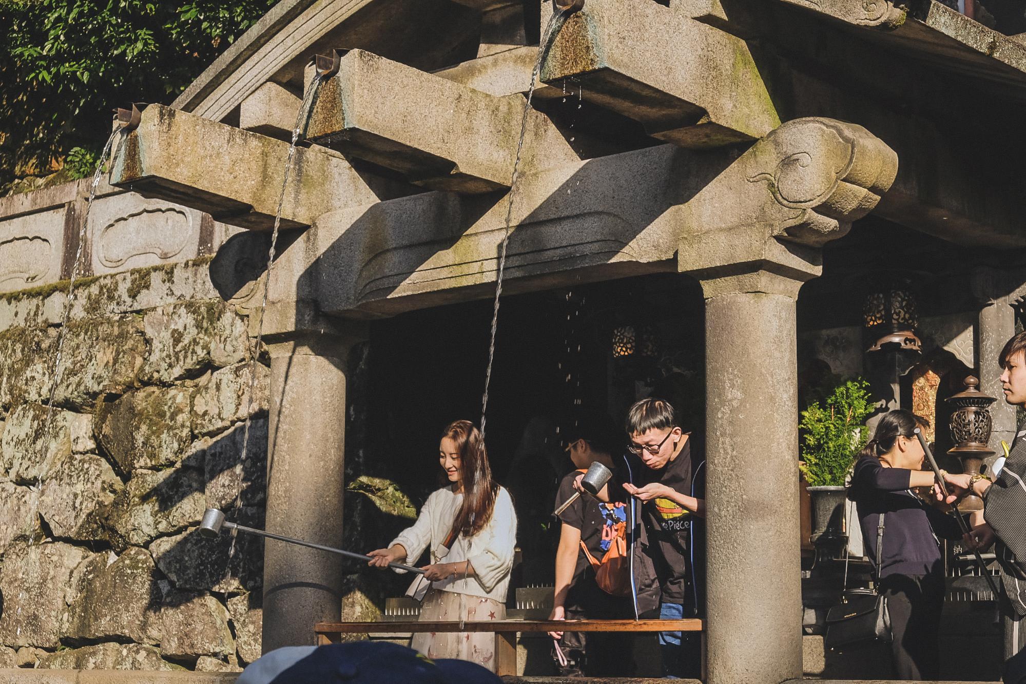 thác thiêng tại chùa kiyomizu