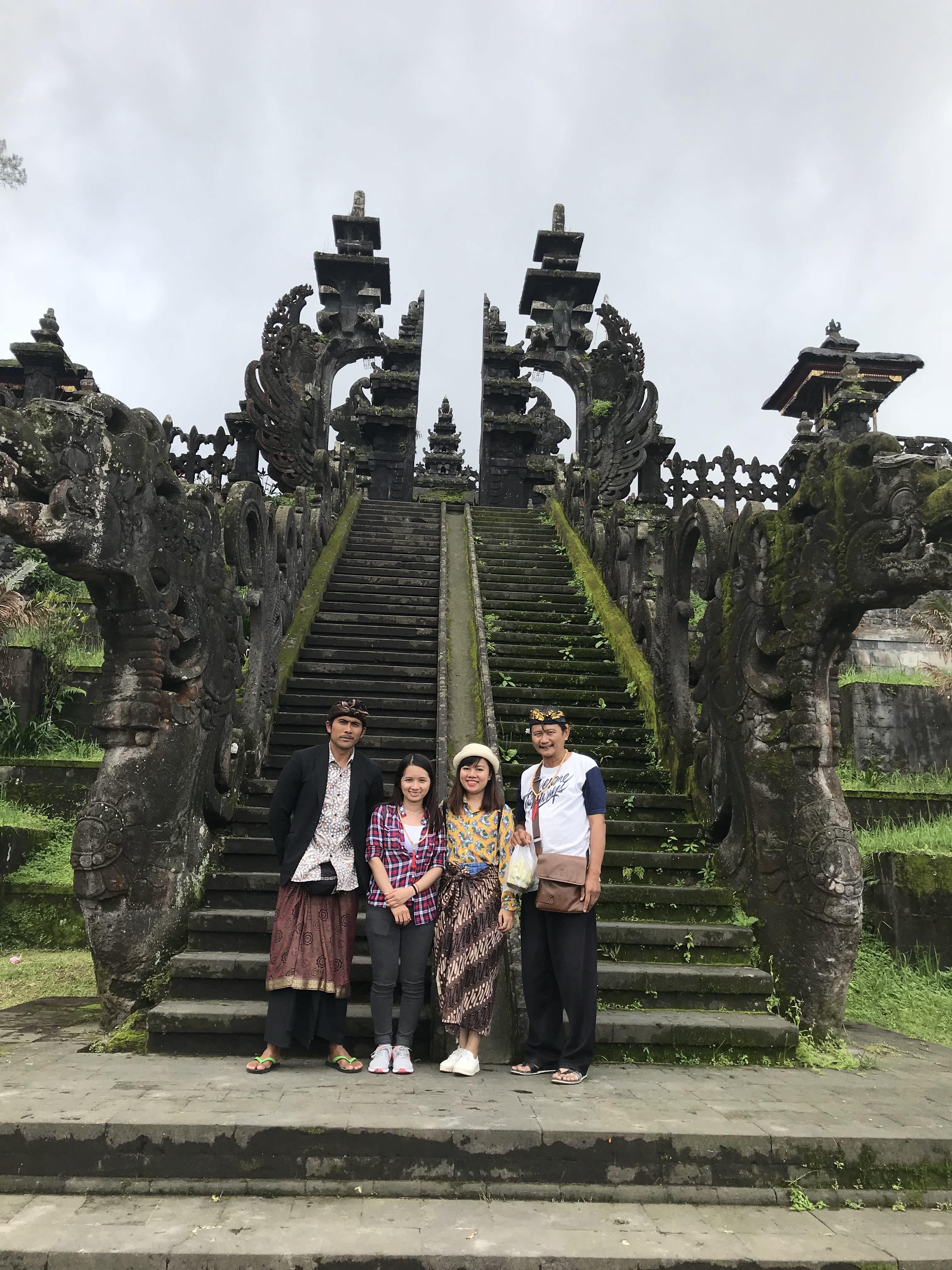 đền thờ mẹ ở bali