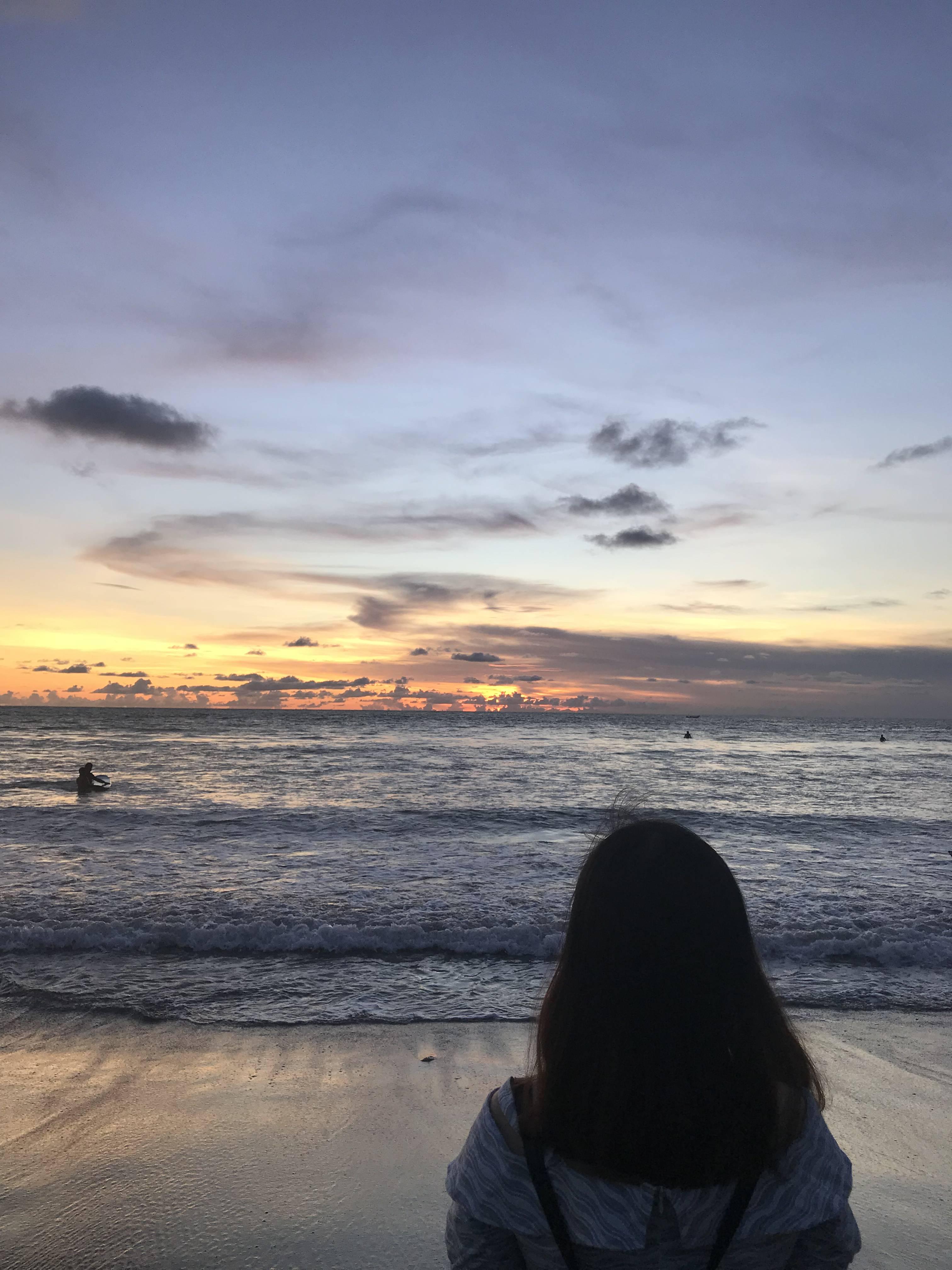 biển bali vào lúc hoàng hôn