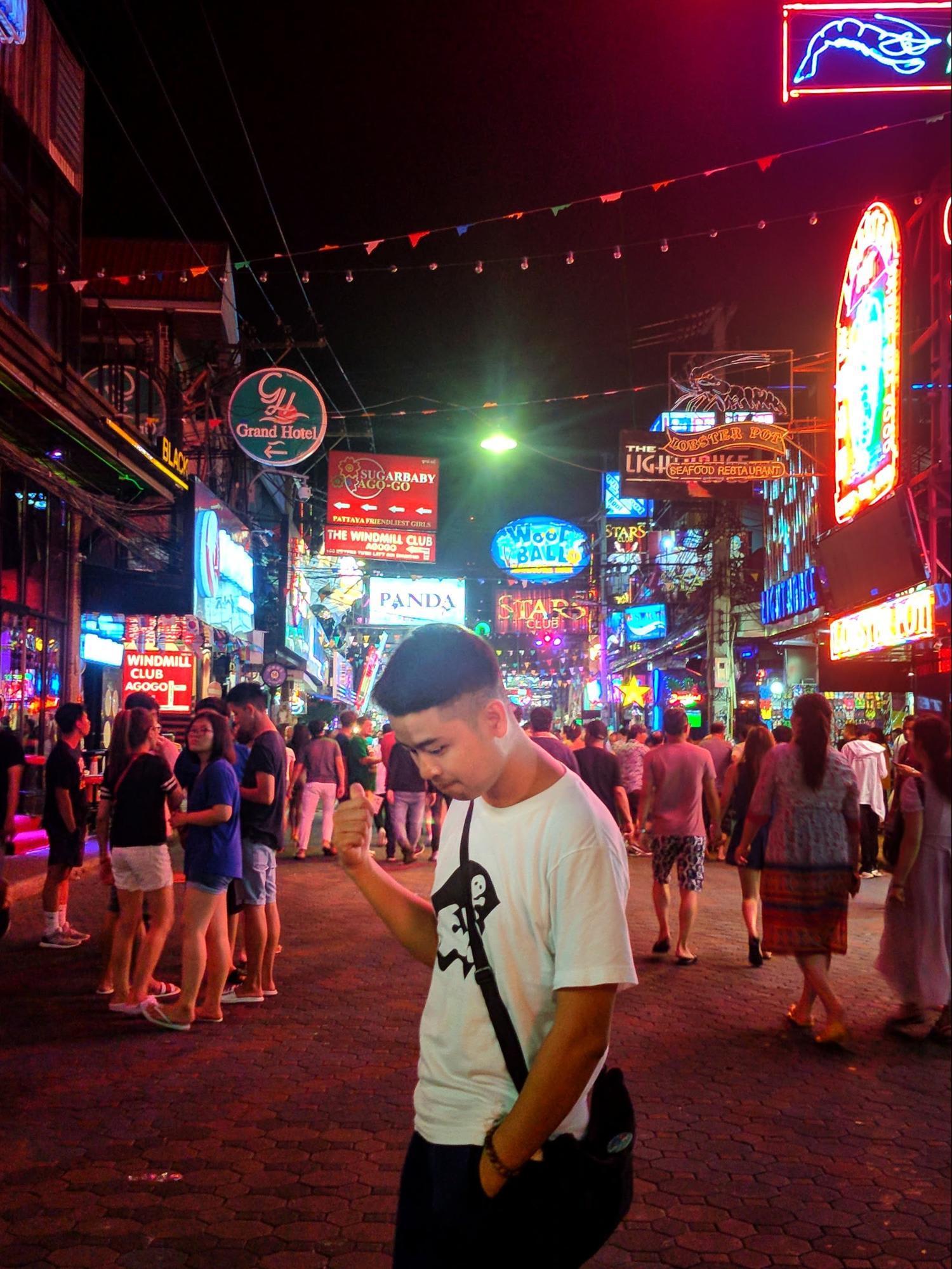 khu chinatown về đêm