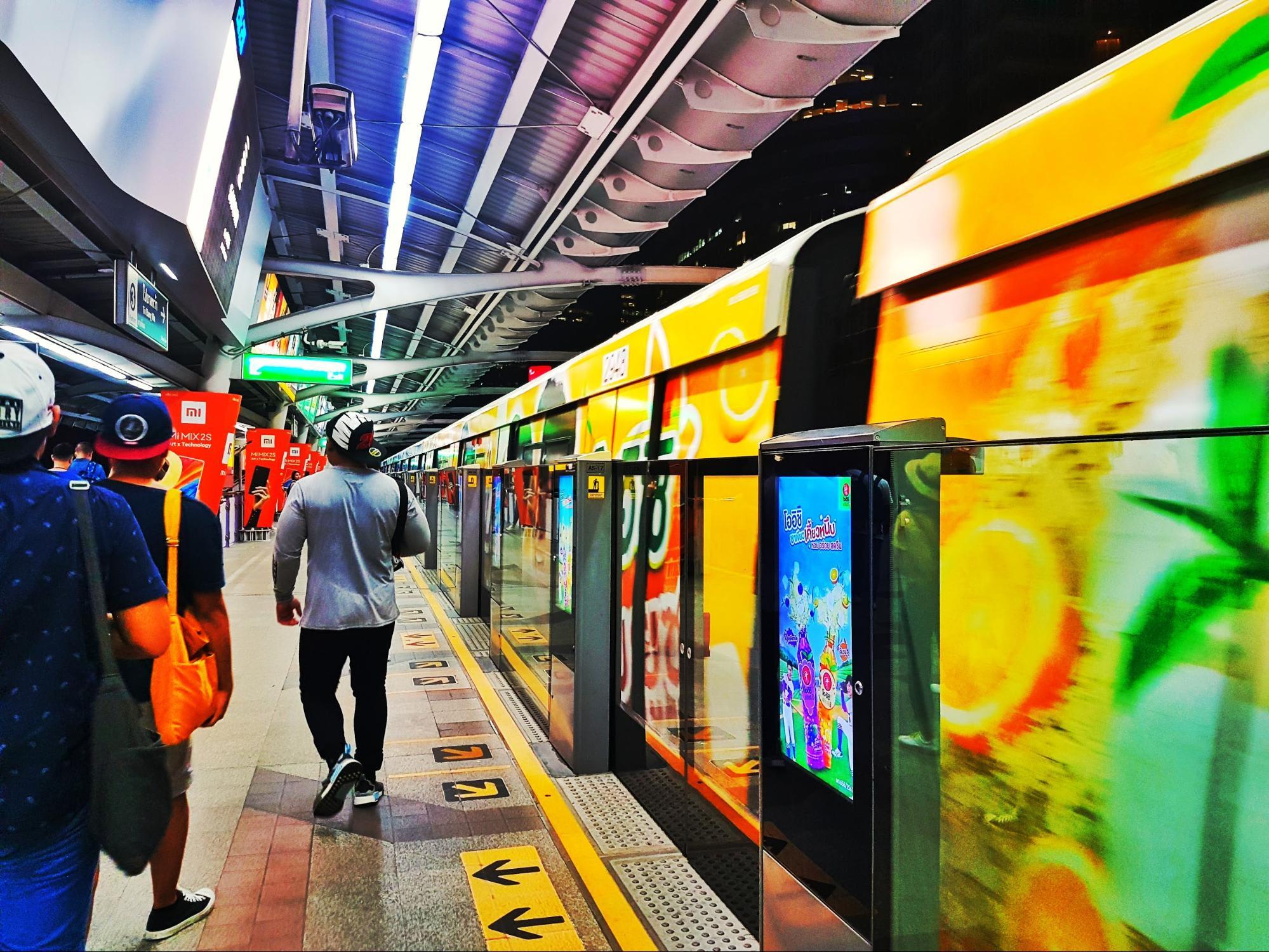 tàu điện BTS ở bangkok