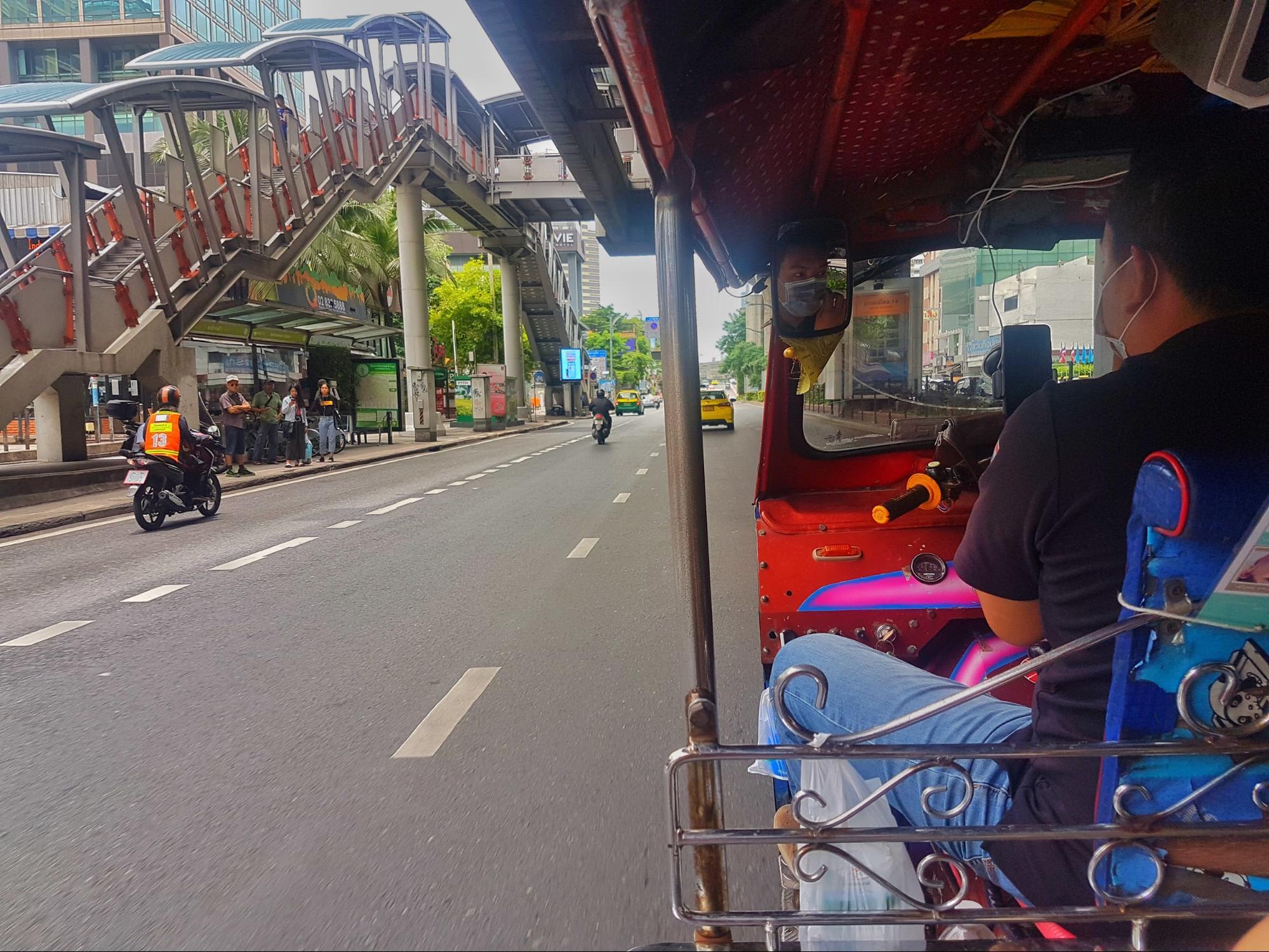 xe tuk tuk ở bangkok