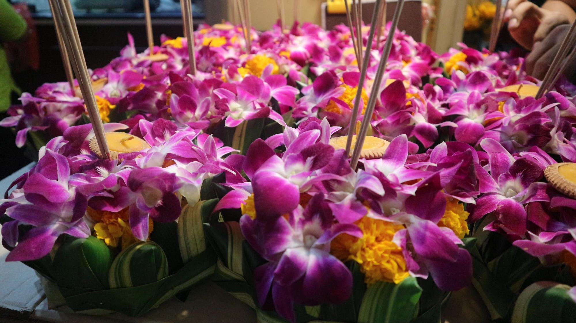 hoa ở lễ hội loy krathong bangkok