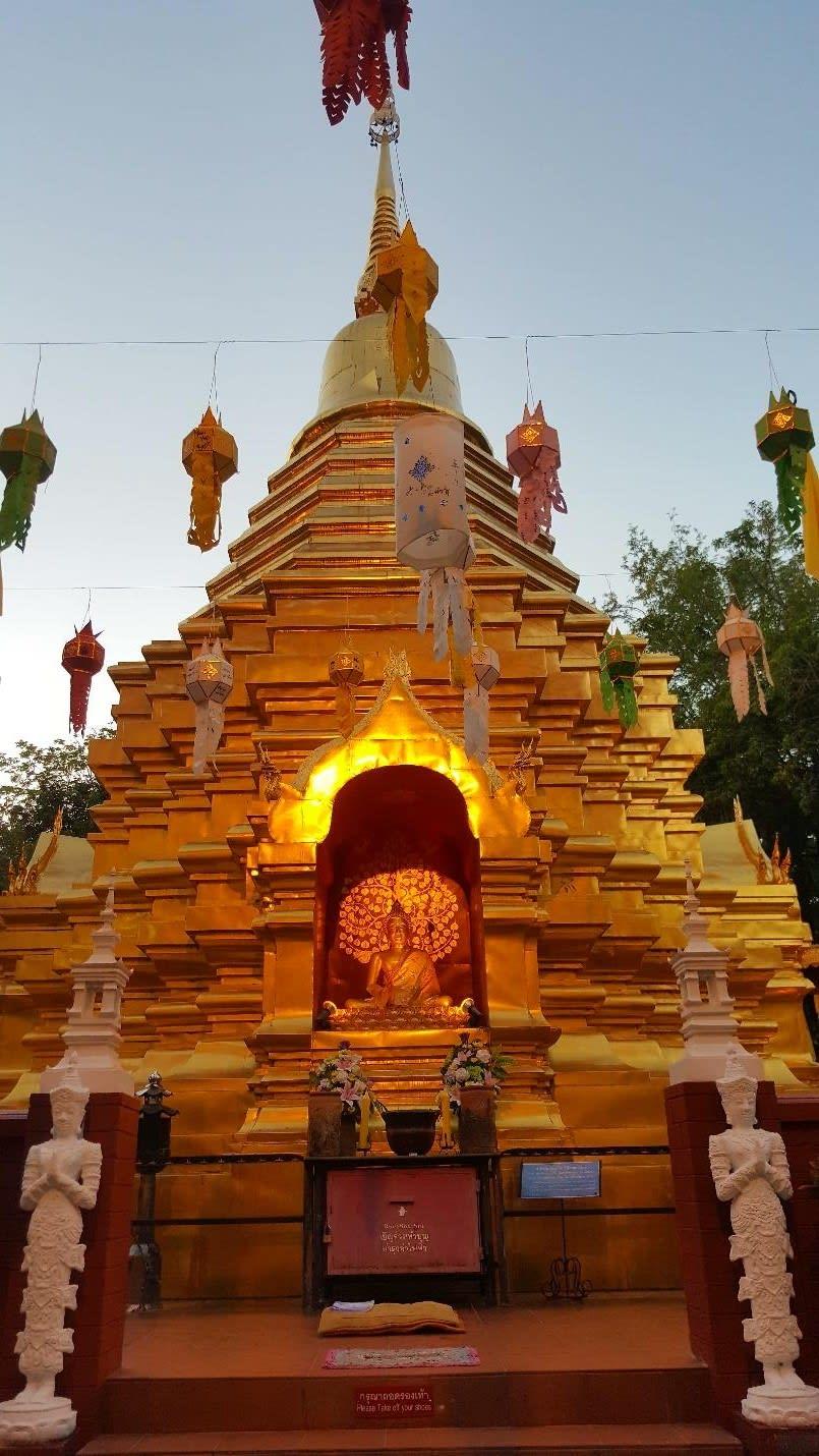 chùa ở phố cổ chiang mai