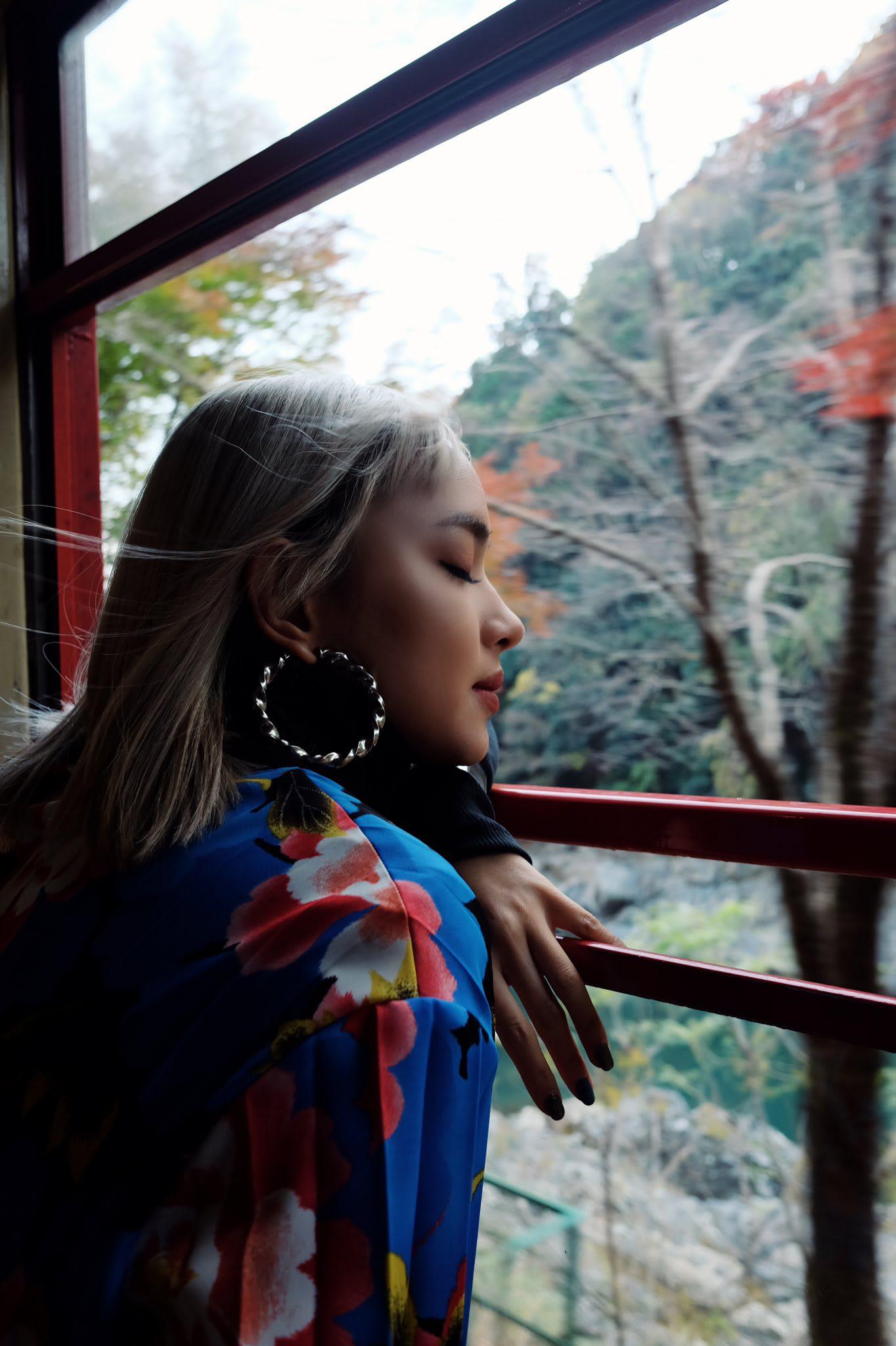 Đi Nhật Bản chơi gì, check-in đâu đẹp lung linh như Châu Bùi? 14