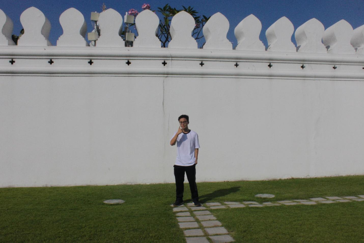 chụp hình bên ngoài grand palace
