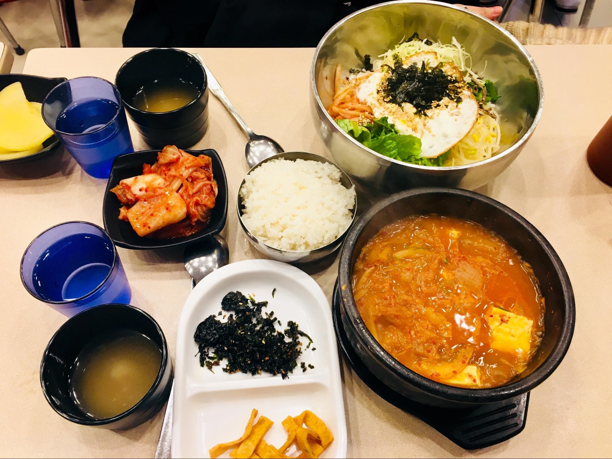 bữa tối tại myeongdong