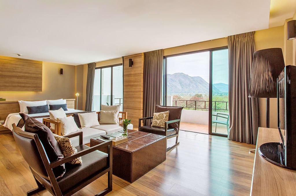 phòng ngủ của the greenery resort