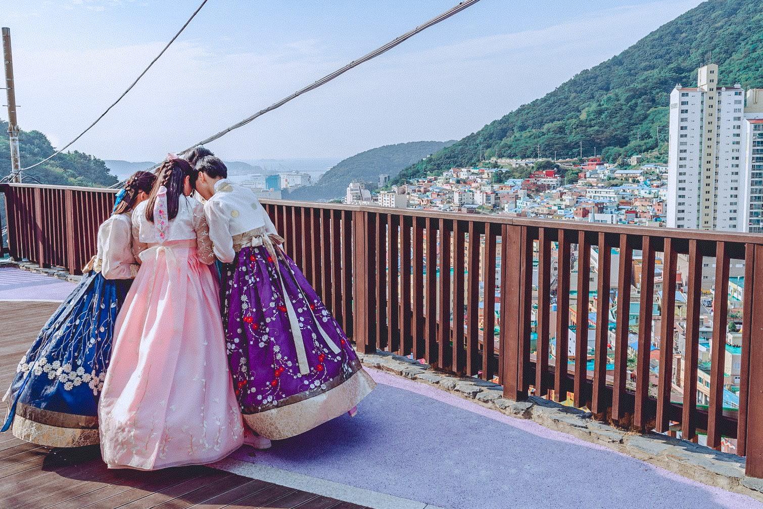 các cô gái mặc kimono tại busan
