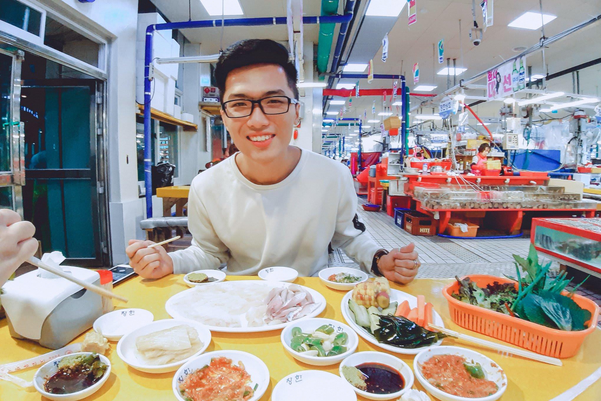 ăn trưa ở chợ hải sản gijang
