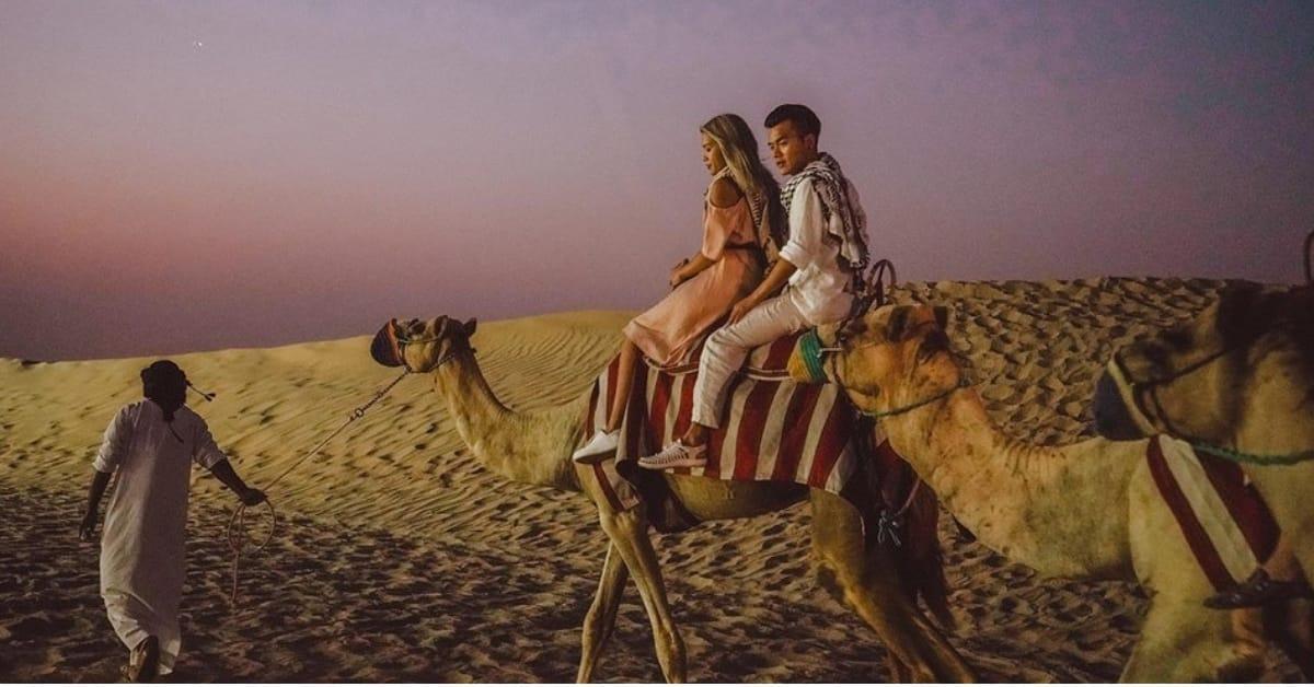 cưỡi lạc đà trên sa mạc dubai
