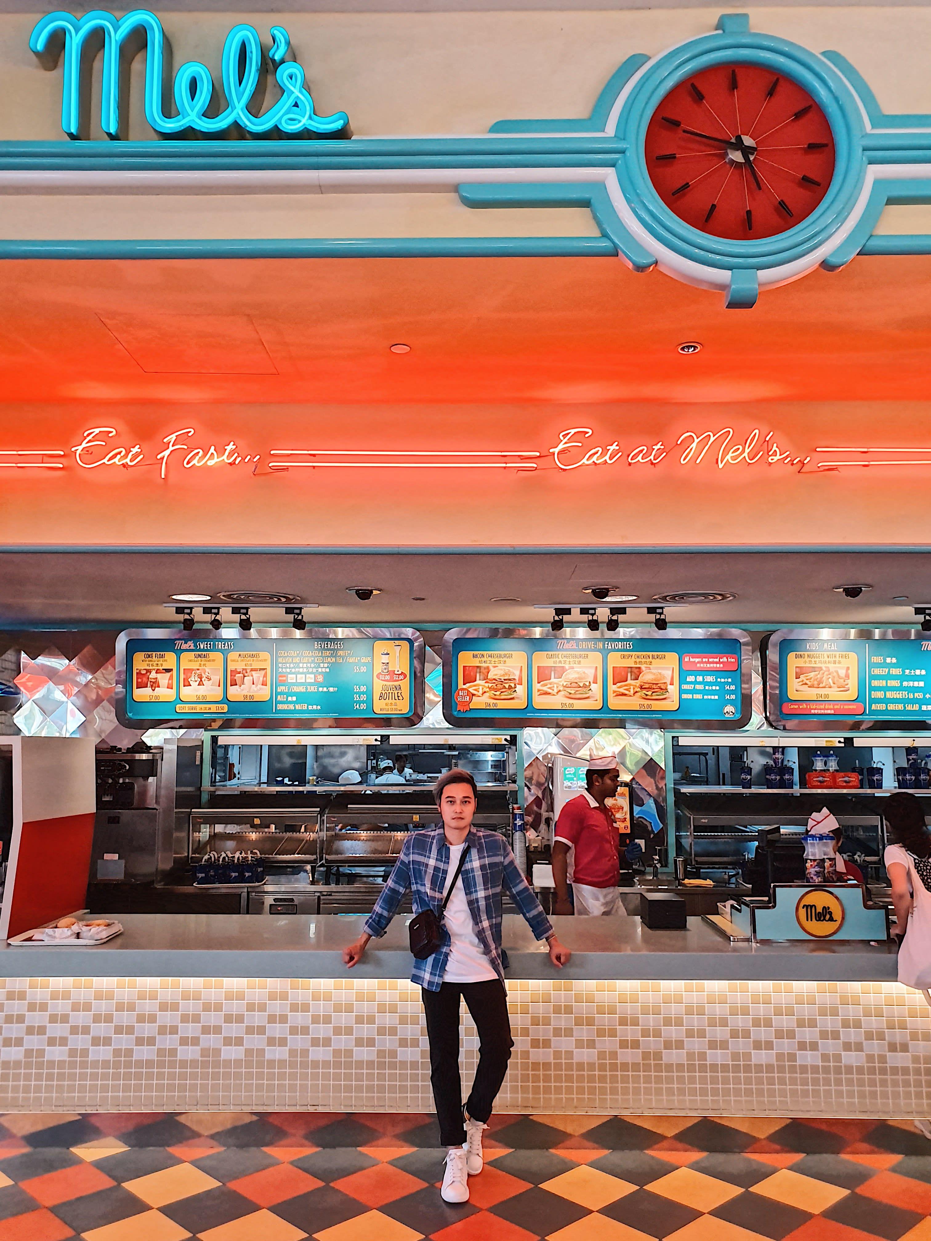 Trải nghiệm vui bất tận tại Universal Studios Singapore cùng Quang Vinh 8