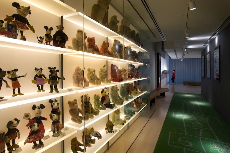 10-Activities-You-Need-to-Do-With-Your-Families-In-Singapore-MINT-museum-of-toys