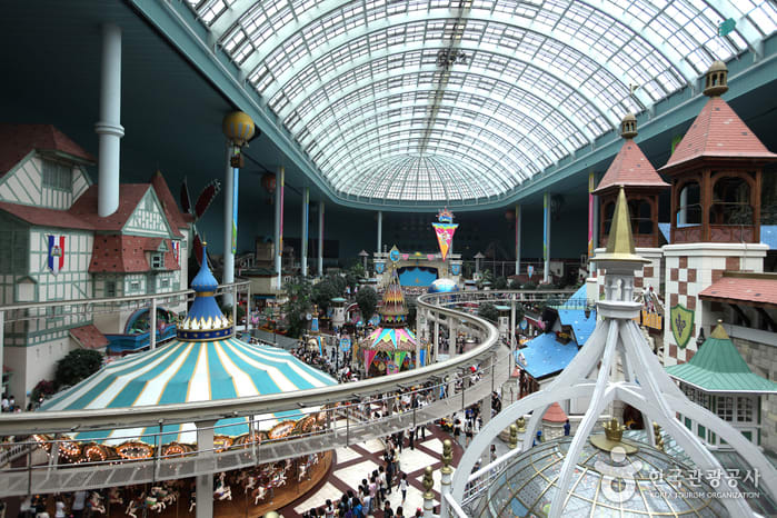 All-You-Need-To-Know-To-Conquer-Lotte-World-adventure-indoor