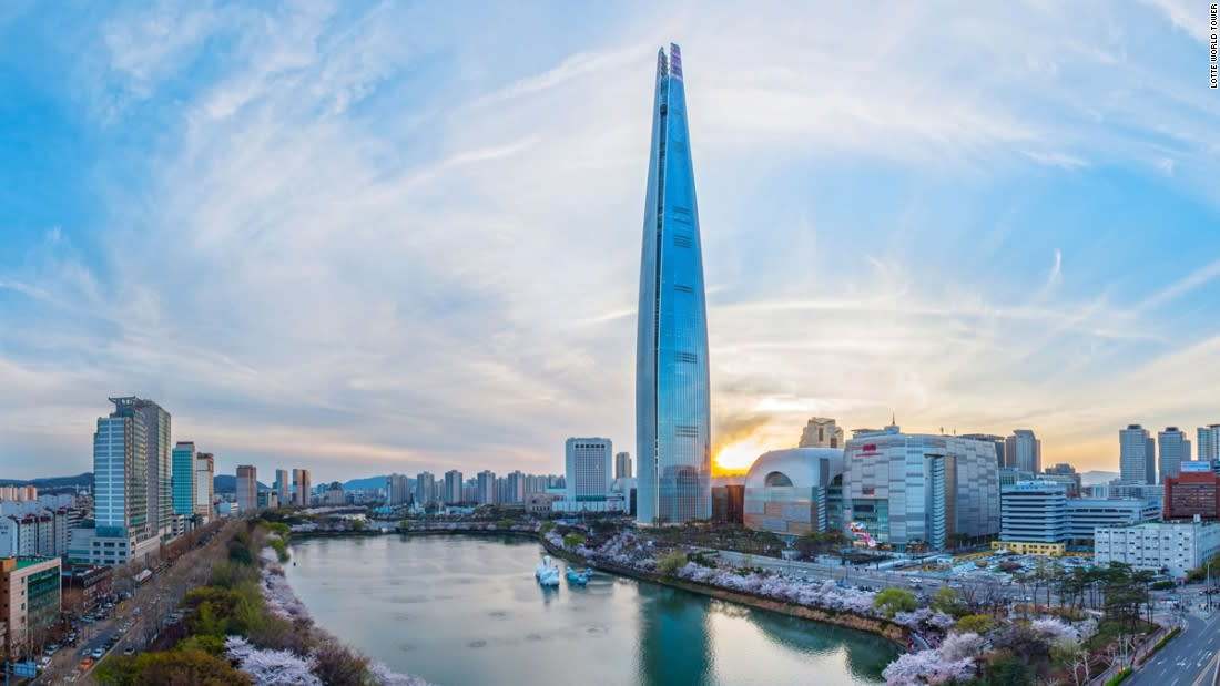 All-You-Need-To-Know-To-Conquer-Lotte-World-tower